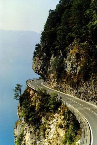 Dünyanın en sıradışı yolları 30