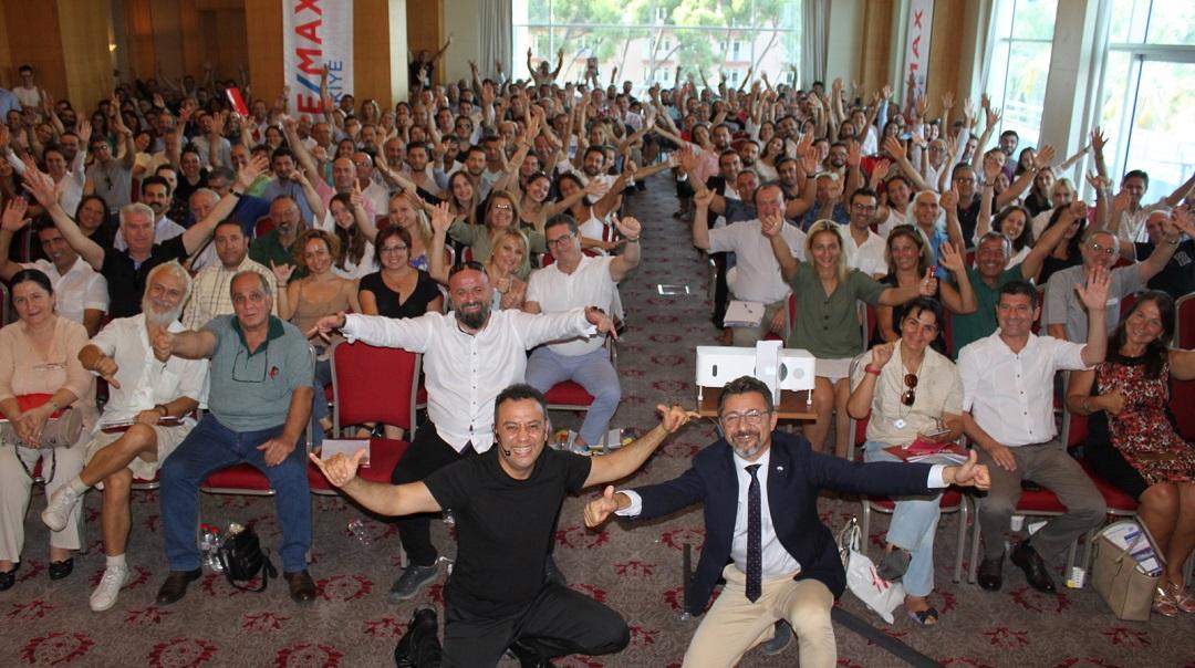 Remax'tan İzmir'de Rekor Katılımlı Kariyer Semineri