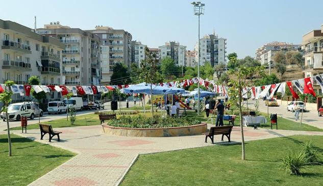 Karabağlar'da Bin 500 Metrekarelik Park Törenle Hizmete Açıldı