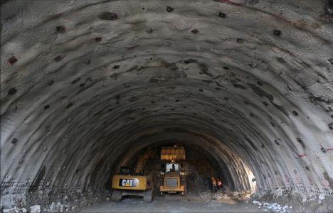 Ovit Tüneli'nde İlk Işık Göründü!