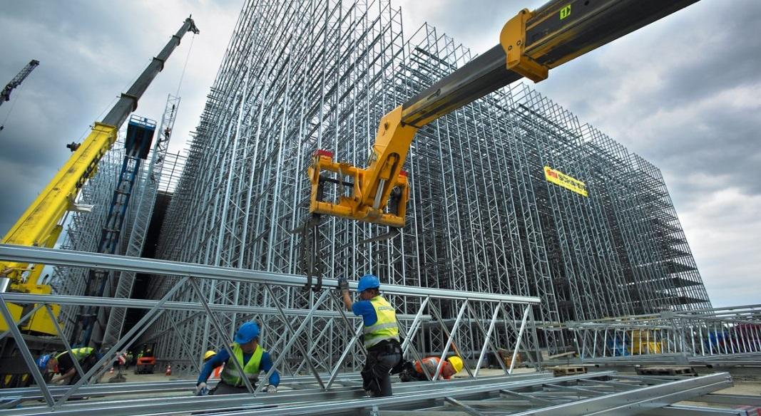 Müteahhit Yeni Bina Yapmak Yerine Stok Satmaya Çalışıyor