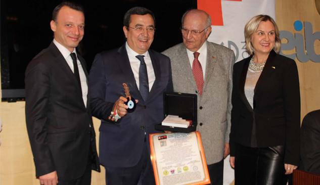 Abdül Batur'a Kentsel Dönüşüm Ödülü
