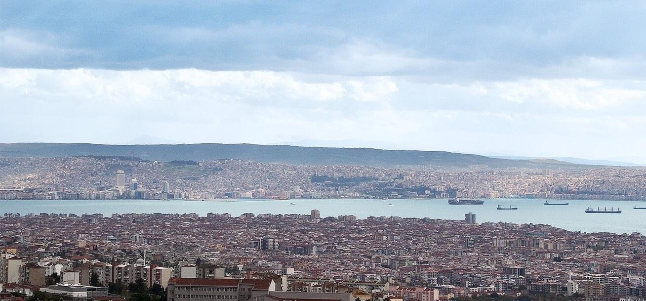 İzmir'de Emlak Piyasasının En Hareketli Olduğu Bölge Karşıyaka