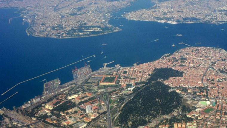 İzmir'de  7 Bin 889 Konut Satıldı