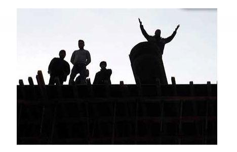 Aydın'da Paralarını Alamayan İşçiler İnşaatı Söktü!