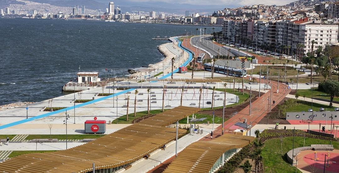 İzmir 15 Temmuz Demokrasi Şehitleri Meydanı Açıldı