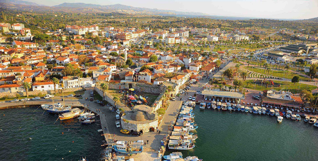 Seferihisar Belediyesi 3 Arsanın Satış İhalesini İptal Etti