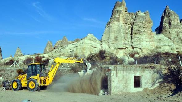 Kapadokya'da 5 Ayda 101 Kaçak Yapı Yıkıldı