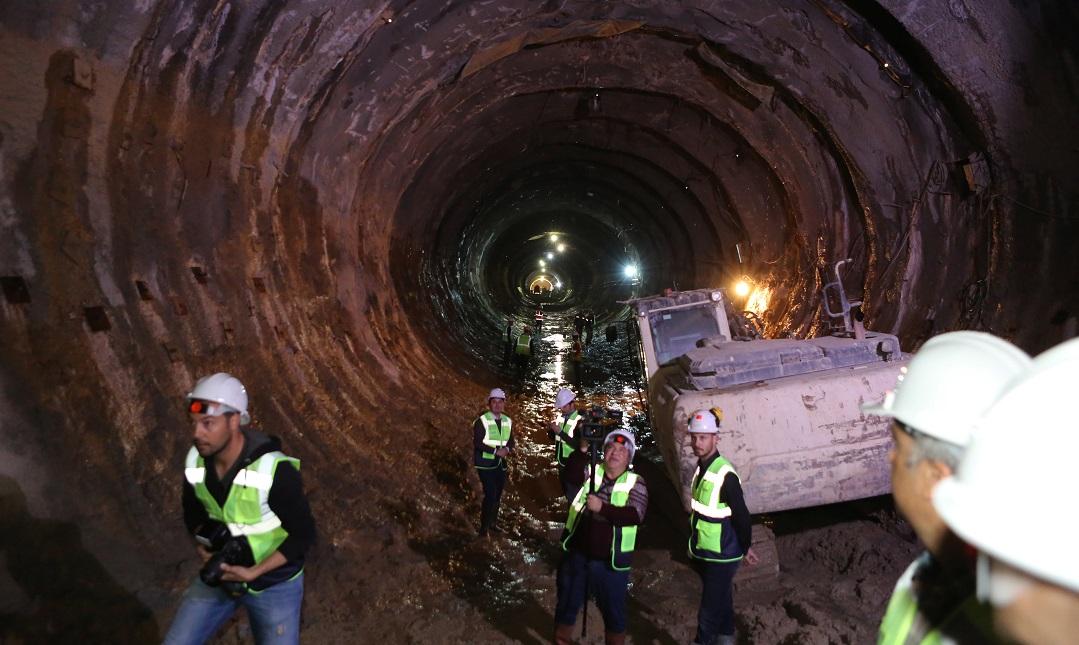 Narlıdere Metrosunun 7 İstasyonunda Kazı Başladı