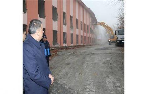 Malatya Battalgazi'deki Eski Devlet Hastanesi Yıkılıyor!