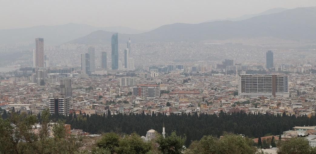 İzmir'deki Belediyelerde İnşaat Ruhsatı Süresi Kısalacak