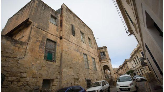 İngiltere Kraliçesi Malta'daki Villasını 40 Milyon TL'ye Satıyor