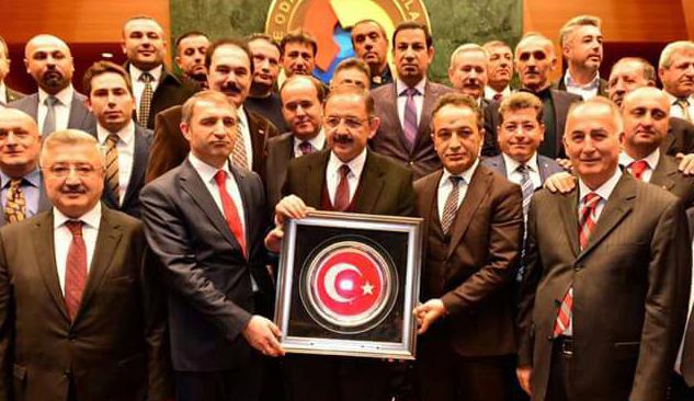Müteahhitler Federasyonu'ndan Bakan Özhaseki'ye İzmir Dosyası