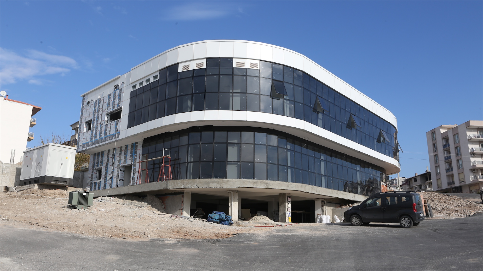 Bornova'ya Üç Kültür Merkezi Birden