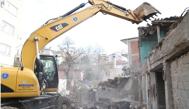 Bursa'da Kamulaştırılan Dört Bina Yıkıldı