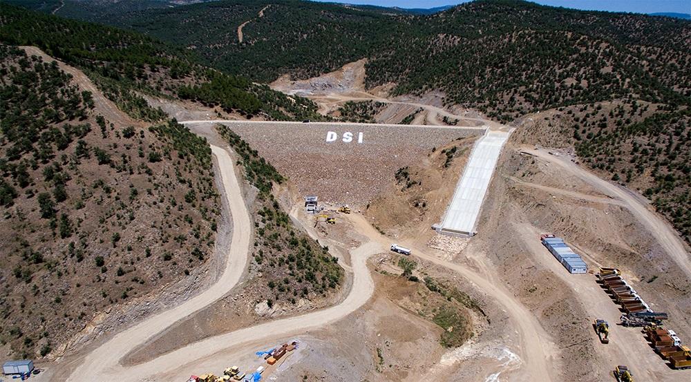 Demirci Kılavuzlar Barajı Tamamlandı