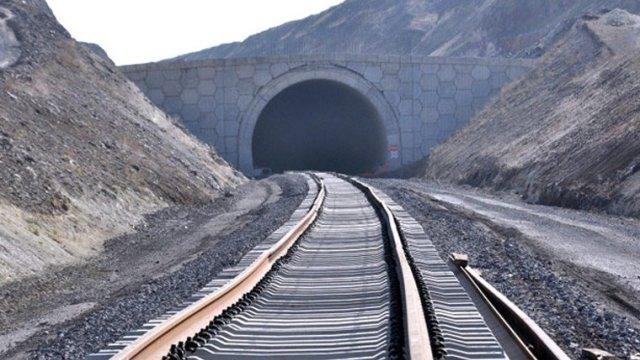Bakü-Tiflis-Kars Demir Yolu İnşaatında Sona Gelindi