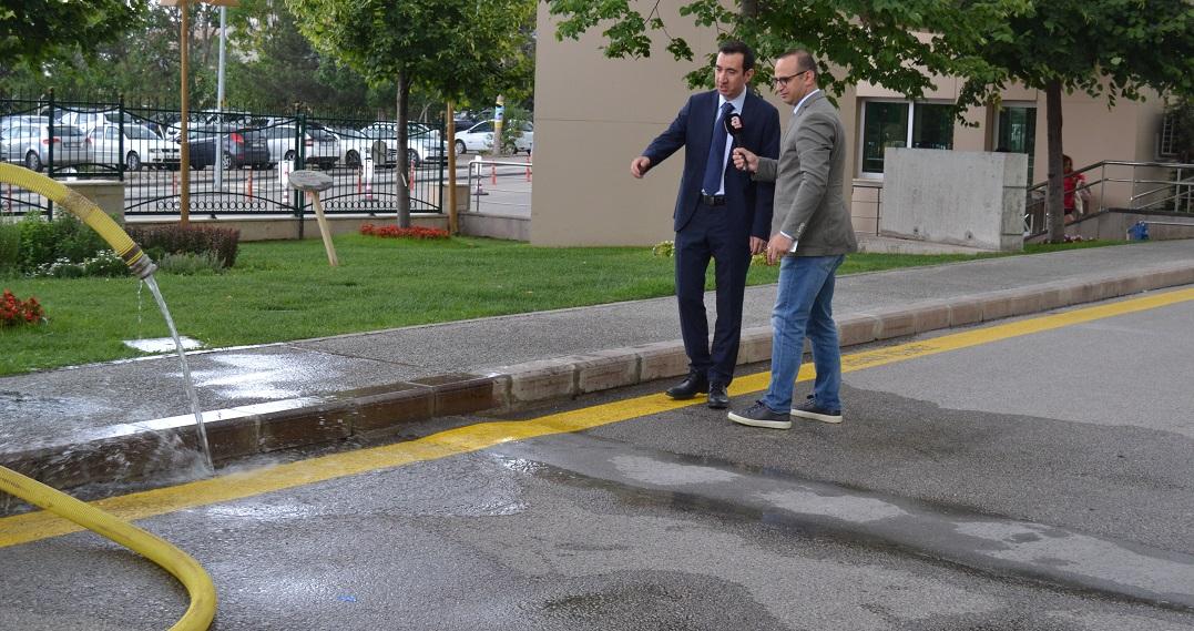 Geçirimli Beton Sayesinde Yağmur Suyu Yeraltıyla Buluşuyor