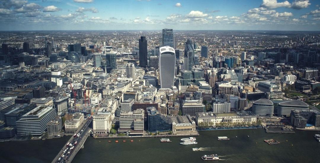 İngiltere'de Konut Fiyatları Yüzde 6,2 Düşecek