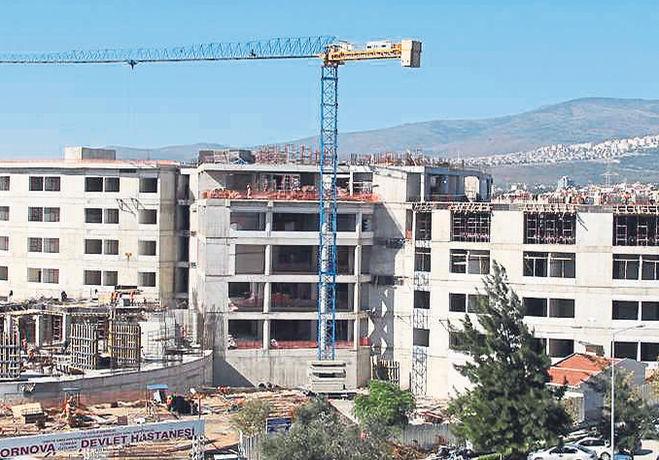 İzmir'de Bu Yıl 4 Yeni Hastane Açılacak