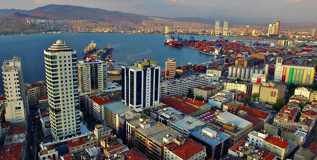 İzmir'deki Belediyeler 3 Aydır İnşaat Ruhsatı Kesmiyor