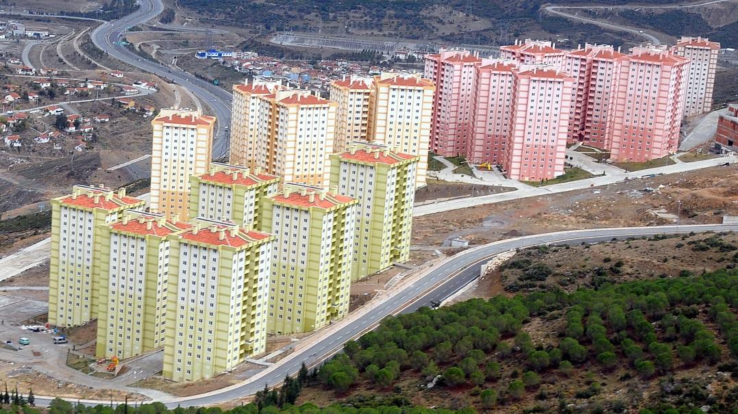 İzmir Büyükşehir Belediyesi Satışa Çıkardığı 263 Konutun Fiyatlarını Düşürdü