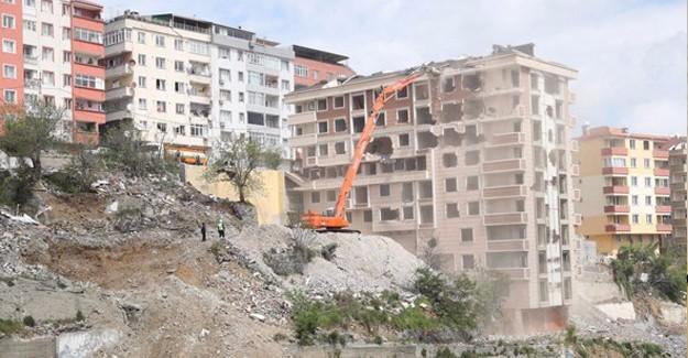 Kaçak Riskli Binaların Güçlendirilmesinin Önü Açılıyor