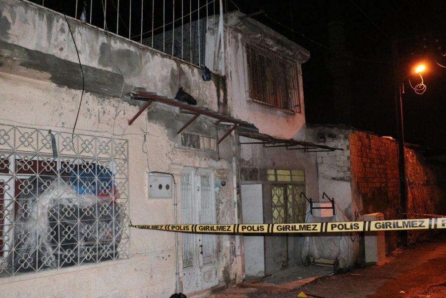 İzmir'de Ev Sahibi Kiracı Kavgası Kanlı Bitti
