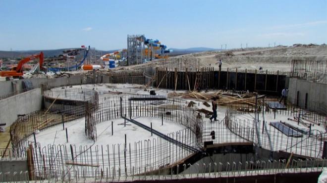 Türkiye'nin En Büyük Su Parkı Çeşme'de Açılıyor