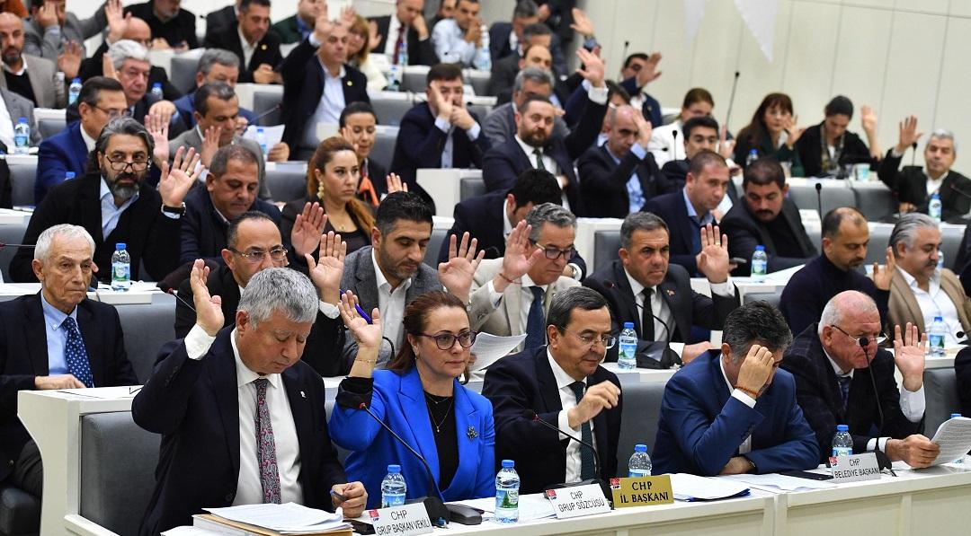 İzmir Büyükşehir Belediye Meclisinde Gökdelen Tartışması