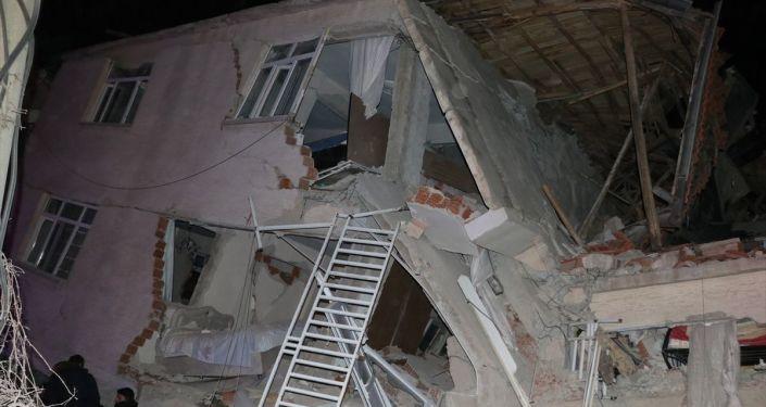 Her Depremin Ardından Korkuya Kapılmak Yerine Hazırlıklı Olmalıyız