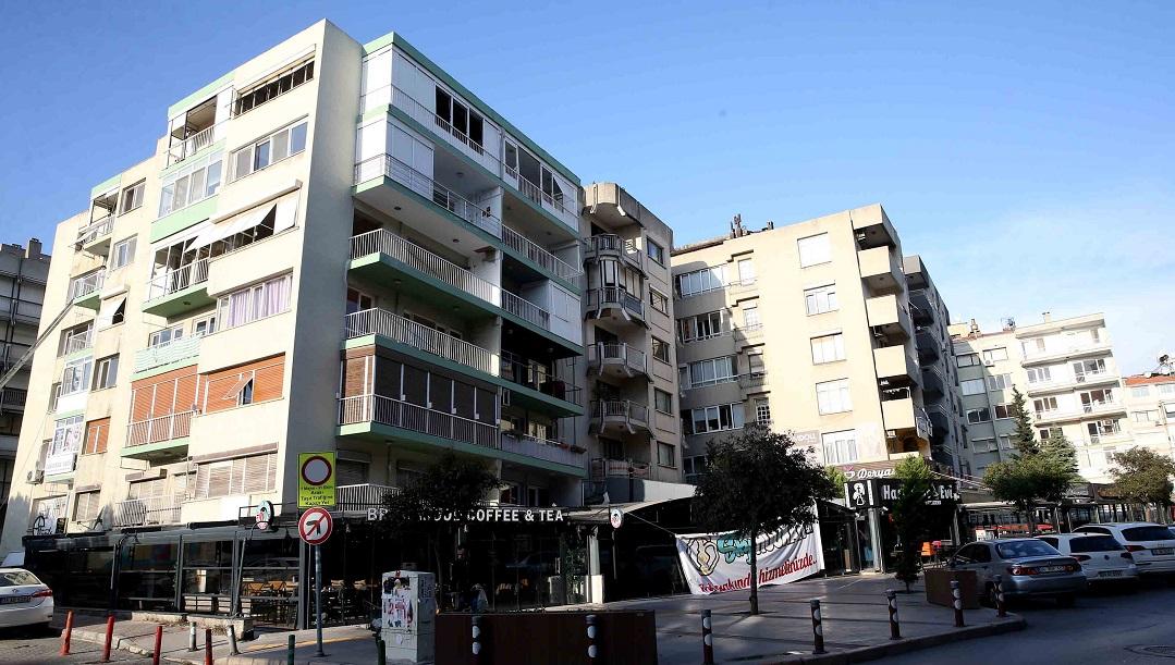 Bostanlı'daki Eğik Binaların İmar Revizyon Planları Tamamlandı
