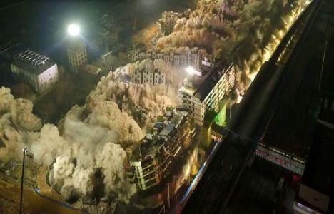 Çin'deki 19 Bina 5 Ton Patlayıcıyla Yıkıldı