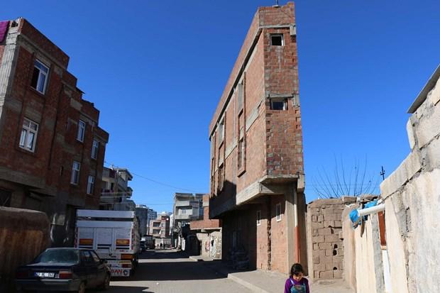 58 Metrekare Arsaya Yapılan Bina Görüntüsüyle Şaşırtıyor