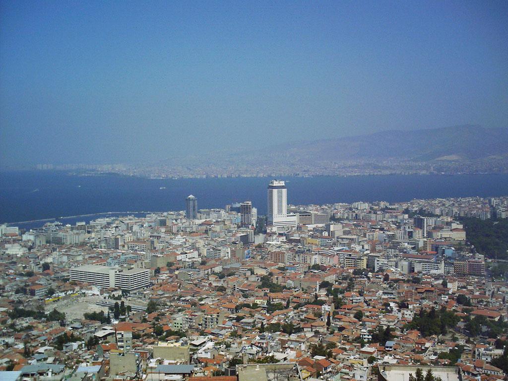 ''Faiz indirimi İzmir'de konut satışlarını ikiye katlayacak''