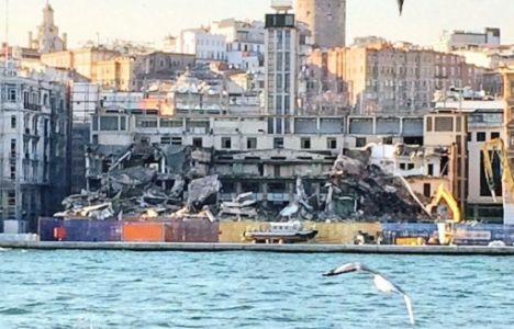 Mimarlar Odası'ndan Karaköy Yolcu Salonu'nun Yıkımına Tepki!