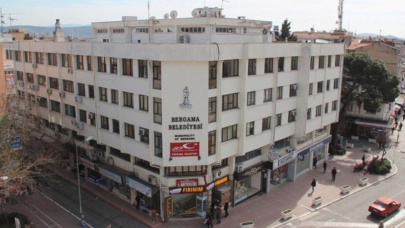 Bergama Belediye Binası Yıkılacak