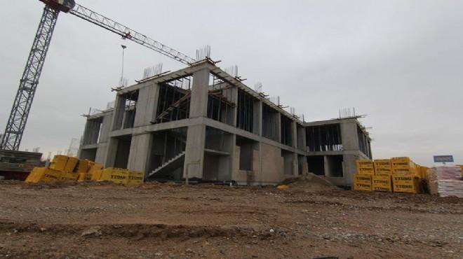 Menderes Devlet Hastanesi İnşaatı Durdu