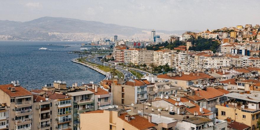 Bakanlıktan İzmir Büyükşehir'e İmar Yönetmeliği Uyarısı! Çalışmalar Durduruldu