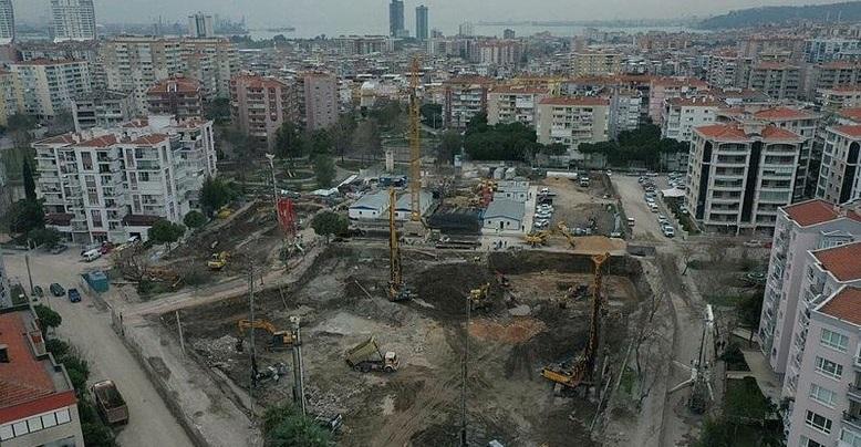 İzmir'deki Deprem Konutlarının Temeli Atıldı