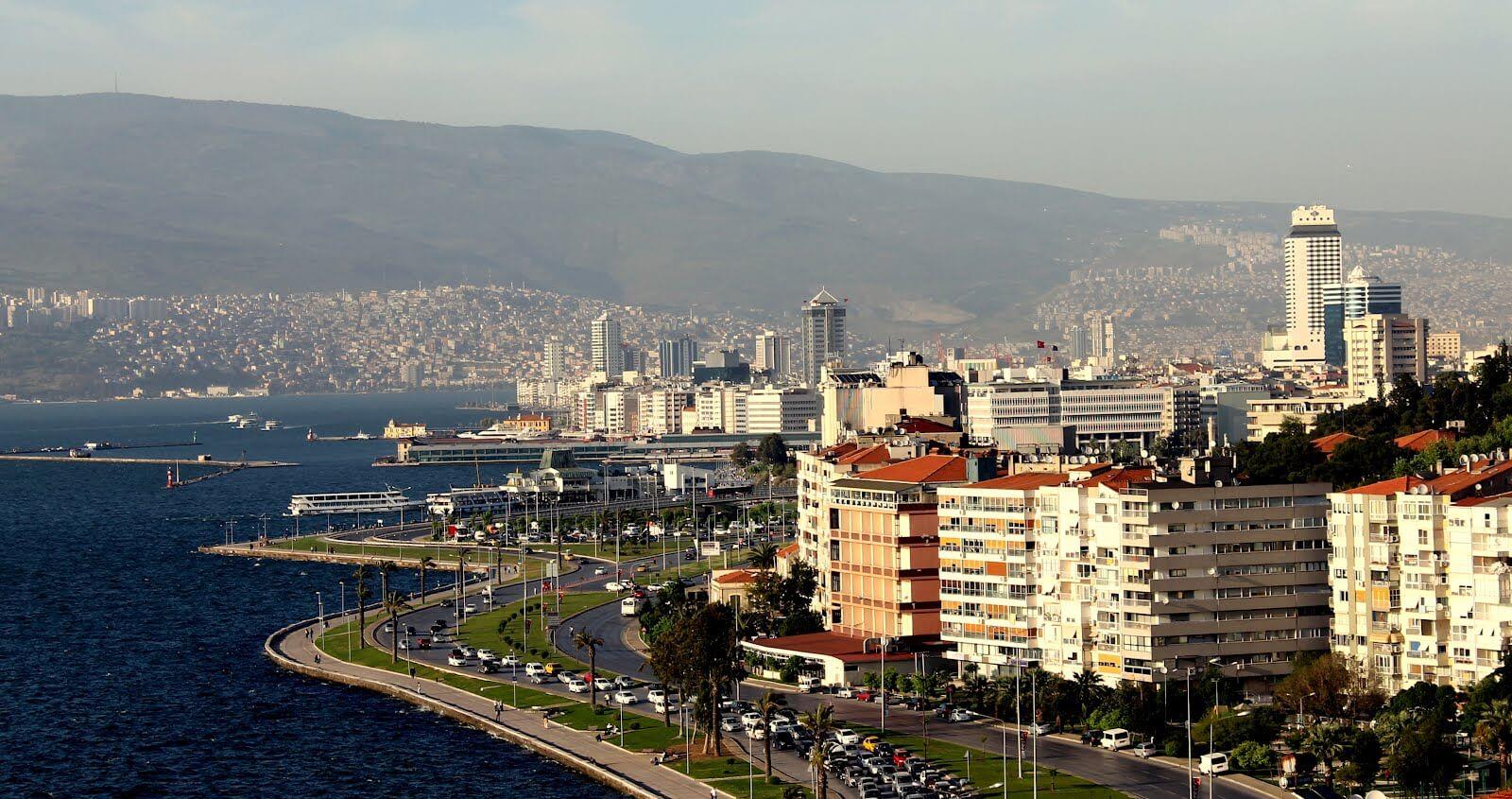 İzmir'in Kentsel Dönüşüm İmar Planları Meclisten Geçti