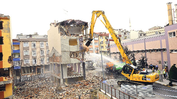 Türkiye'de 120 Bin Riskli Yapı Tespit Edildi!