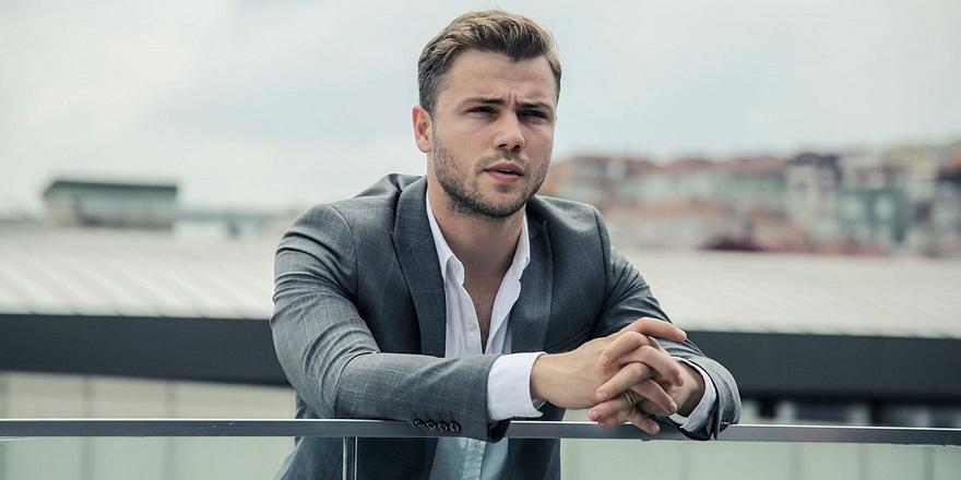 Ünlü Oyuncu İzmir'de 3 Milyon TL'ye Arsa Aldı