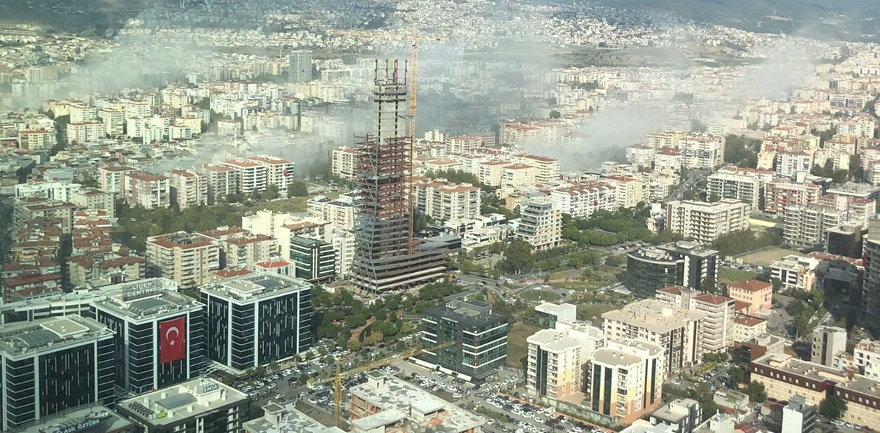 Deprem Sonrası Yıkılan Veya Hasar Gören Ruhsatlı Binalarda Sorumluluk Kime Ait?