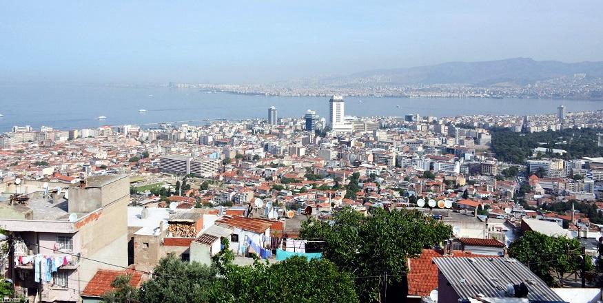 İmar Yönetmeliği'nin Yüzde 30'u İzmir'e Uyarlandı