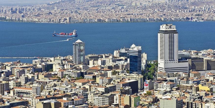 İzmir'de 5 Bin 800 Binanın Kentsel Dönüşümü İçin Onay Bekleniyor