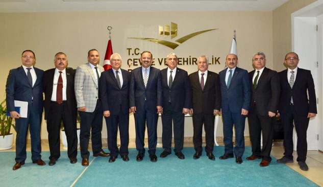 Çevre Şehircilik Bakanlığı'nda İzmir Zirvesi