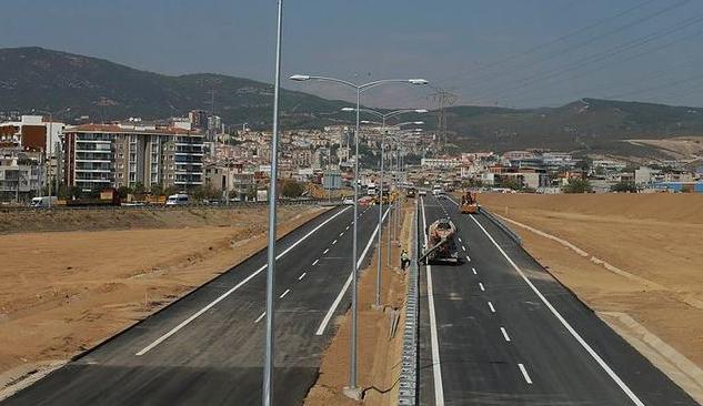 İzmir İstanbul Otoyolu'nun Üçte İkisi Tamamlandı