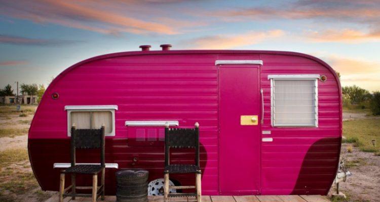 Texas'daki Otel Karavan Ve Çadırdan İnşa Edildi
