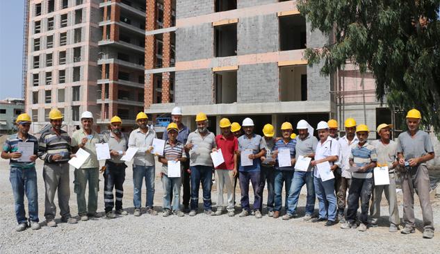 İnşaat İşçileri Mesleki Yeterlilik Belgelerini İMDER'den Aldı